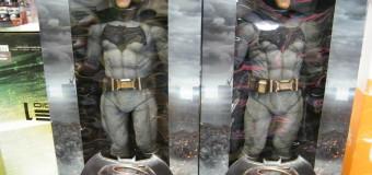 NECA'S NEW 1/4 SCALE BATMAN VS SUPERMAN!